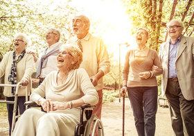 高齢者世帯の平均貯蓄は2430万、のまやかし…政府の調査、厳しい単身世帯を除外