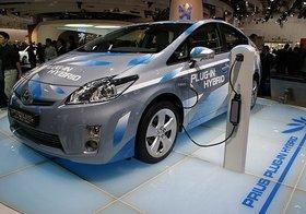 トヨタ、「低燃費のガソリン車」HV依存の環境車戦略が失敗…遅きに失したEV参入