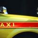 タクシー運転手が悲惨すぎる!修理代やカード払い手数料は「自腹」、チップも会社に上納