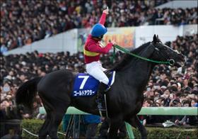 天才・横山典弘騎手の代名詞「ポツン」について本人が語った「理由」と、戸崎圭太騎手が「嫉妬する」ほどの神騎乗!?