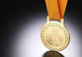健康なら「ゴールド免許」のインセンティブを~小泉進次郎議員らの「人生100年時代の社会保障」
