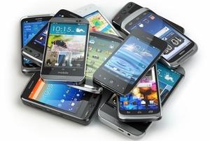 携帯ショップのヒドすぎる実態…高齢者に不要な商品買わせる、顧客アンケートを店員が記入