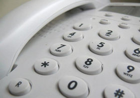 新人が緊張する電話応対。やってはいけない電話の切り方とその対策