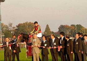 武豊「やる気問題」でリスグラシューに暗雲!? JRA・G1「ワースト2」の20年間未勝利......ダービー最多勝利騎手が「オークスを勝てない」理由