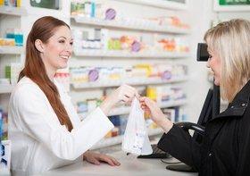 薬局、なぜ土日や夜間は料金割高に?なぜ近隣の薬局でも大幅に料金異なる?
