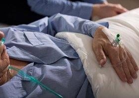 なぜ日本は「寝たきり老人」大国?安らかな自然死を許さない、過剰な延命治療が蔓延