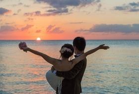 サプライズ満載の結婚式で必死に幸せアピール…「うらやましがられたい」欲求満たす若者たち