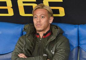 「裸の王様」本田圭佑、W杯・日本代表の「お荷物」に…低レベルプレー連発でチームの足引っ張る