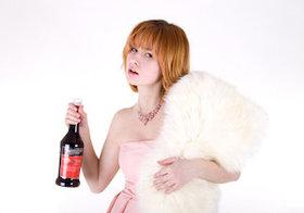 ワインが「酒さ=赤鼻」を引き起こす?赤より白のほうが肌に悪い?