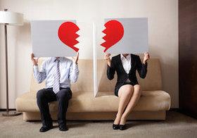妻の半数が夫の仕事に不満!年収が低いほど離婚願望が強くなる?
