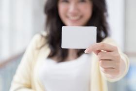 デビットカード、自然に無駄遣い減少で貯金が増える?意外に高還元率&審査不要でおトク