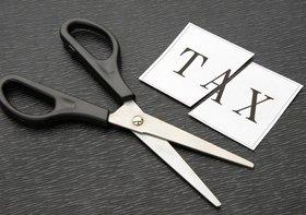 知らなきゃ損!源泉徴収票をチェックして払う税金を減らす方法!究極の配偶者控除活用法