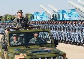 中国、大規模軍事演習を異例のライブ中継…北朝鮮・インドへ軍事攻撃の可能性も