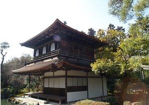 京都、観光客増え過ぎで「街並み一変&良さ消失」の危機…交通混乱やトラブル多発も