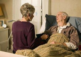 親の介護費用を負担した子どもが下流老人に転落…絶対に親に払わせなさい!