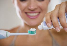 抗菌剤入り歯磨き粉を使い続けると健康被害の恐れ…危険成分が歯ブラシにも残存するとの報告