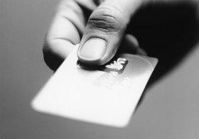突然カードで見覚えのない引き落とし…カード会社・警察・店が被害者を延々たらい回し