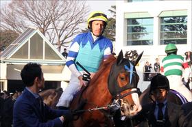 大魔神・佐々木氏の日本人騎手「扱い」に呆然...... H.ボウマン騎手「半年前予約」の一方で、福永祐一騎手との