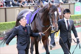 「北」を持つ「北」島三郎のキタサンブラックが有馬記念勝利確実!? 「今年の漢字」もラストランを後押し
