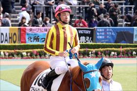 JRA「最も難解な騎手」横山典弘の10馬身差圧勝に絶賛の嵐! 競馬ファンを悩ませる