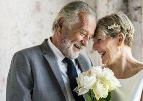 シニア婚、経済的メリット大?長い老後、本当に「結婚はコスパ悪い」と言い切れますか?