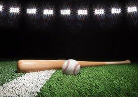 超有名プロ野球選手、用具メーカーに大量に無償提供を要求…タニマチにバラ撒く
