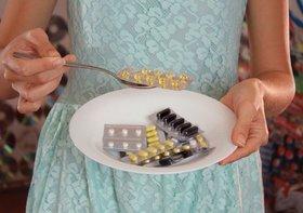 サプリ等の健康食品で健康トラブル急増…「●●100個分」の危険性?治療逃し病気悪化も