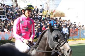 桜花賞(G1)「鞍上」決定! 最強「デムルメ」が戸崎圭太騎手の