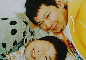鈴木おさむのブログが物議、SHIHOも大批判された「叱らない子育て」と炎上の相性の良さ