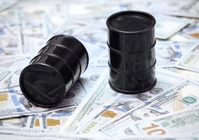 原油価格上昇、家計支出が年1.7万円増加の可能性