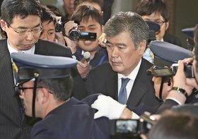 福田財務次官のセクハラ疑惑、首相官邸のリークか…霞が関の「総入れ替え人事」画策か