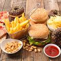 老後の認知症発症、「老前」の食事が大きく影響