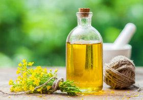 キャノーラ油で炒めものは体に悪い?有毒な過酸化脂質に変化?
