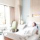 小林麻央さん闘病で取り沙汰された「代替療法」 悪質性の見極めとケアについて