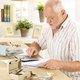 年金、受給が月6万円台…自営業の人、2階建ての「手厚い終身年金」をもらう方法