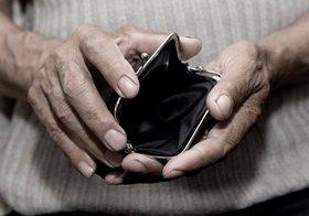 増加する高齢者の生活保護、将来は100人中6人のシナリオも