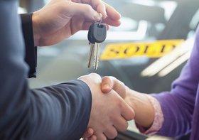 某大手車買取業者、客の不安煽り&追い込み営業の実態…「今決めてもらえれば1万円」