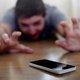 米国、子どものスマホ中毒対策が社会的課題に…若者にとって唯一頼れるデバイスに