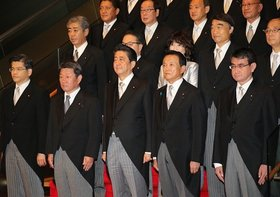 安倍政権、外国人労働者受け入れ推進の一方、日本語教育体制の不備が深刻化