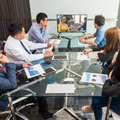 日本企業、時間の7割を社内向け業務に浪費…3カ月で50%生産性が向上した企業