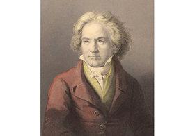 """ベートーヴェンとチャイコフスキーの""""迷""""曲…演奏で本物の大砲を使用し他国を攻撃"""