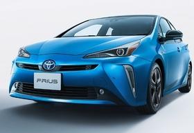 """トヨタ「プリウス」販売3分の1に激減でも""""燃費は最高峰""""で今が買い時!"""