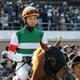 武豊「153万馬券」演出でリーディング独走! 昨年、外国人騎手に主役の座を奪われた日本人騎手たちの「逆襲」に注目!