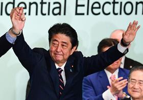 安倍政権「衆参ダブル選挙」と消費税、最後の決め手は株価か