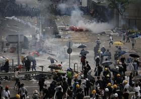 香港が危険地帯化、市民が大脱出…大規模デモに警察が過激な暴力、中国習近平指導部が屈服