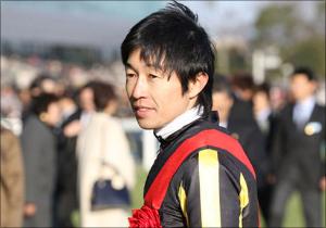 武豊騎手と凱旋門賞へ! 世界的良血馬ジェニアルのデビュー戦に競馬界も熱視線!