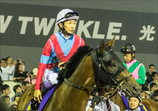 「武豊と凱旋門賞へ」の合言葉で今年も2億6000万円落札! 昨年の期待馬もついに勝利の画像1