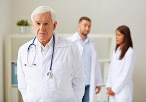 ベテランが名医とは限らない! 時代遅れの技能や知識が患者の死を招く?の画像1