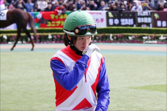 JRA藤田菜七子騎手「エージェントが密接すぎでクビ」に!? 根本調教師の逆鱗に触れた「いつも一緒」のウワサの画像1
