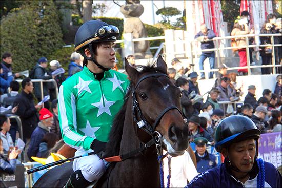 三浦皇成「名クラブ馬で全敗」の窮地!? 復帰から続く「蜜月」関係もこのままでは......